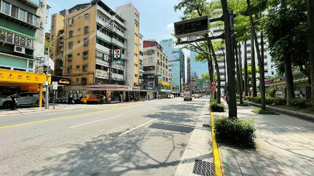 西松泰無限美的店面,台北市松山區三民路