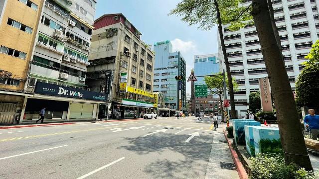 西松泰無限文的店面,台北市松山區三民路