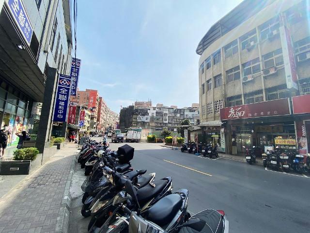 麥當勞黃金透天店面,新北市泰山區明志路三段
